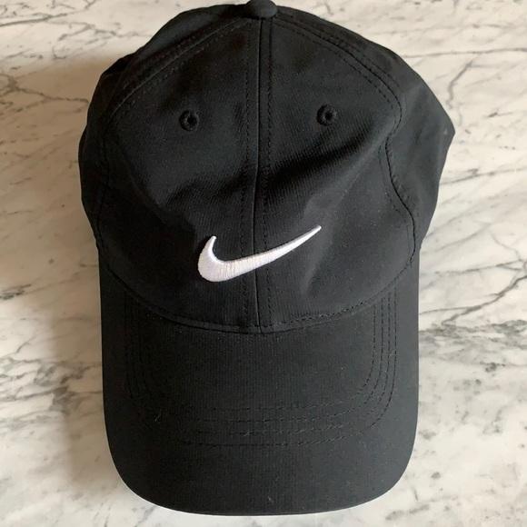 Nike Golf black hat baseball cap adjustable